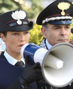SOTTO COPERTURA - Manuela Arcuri e Andrea Tidona